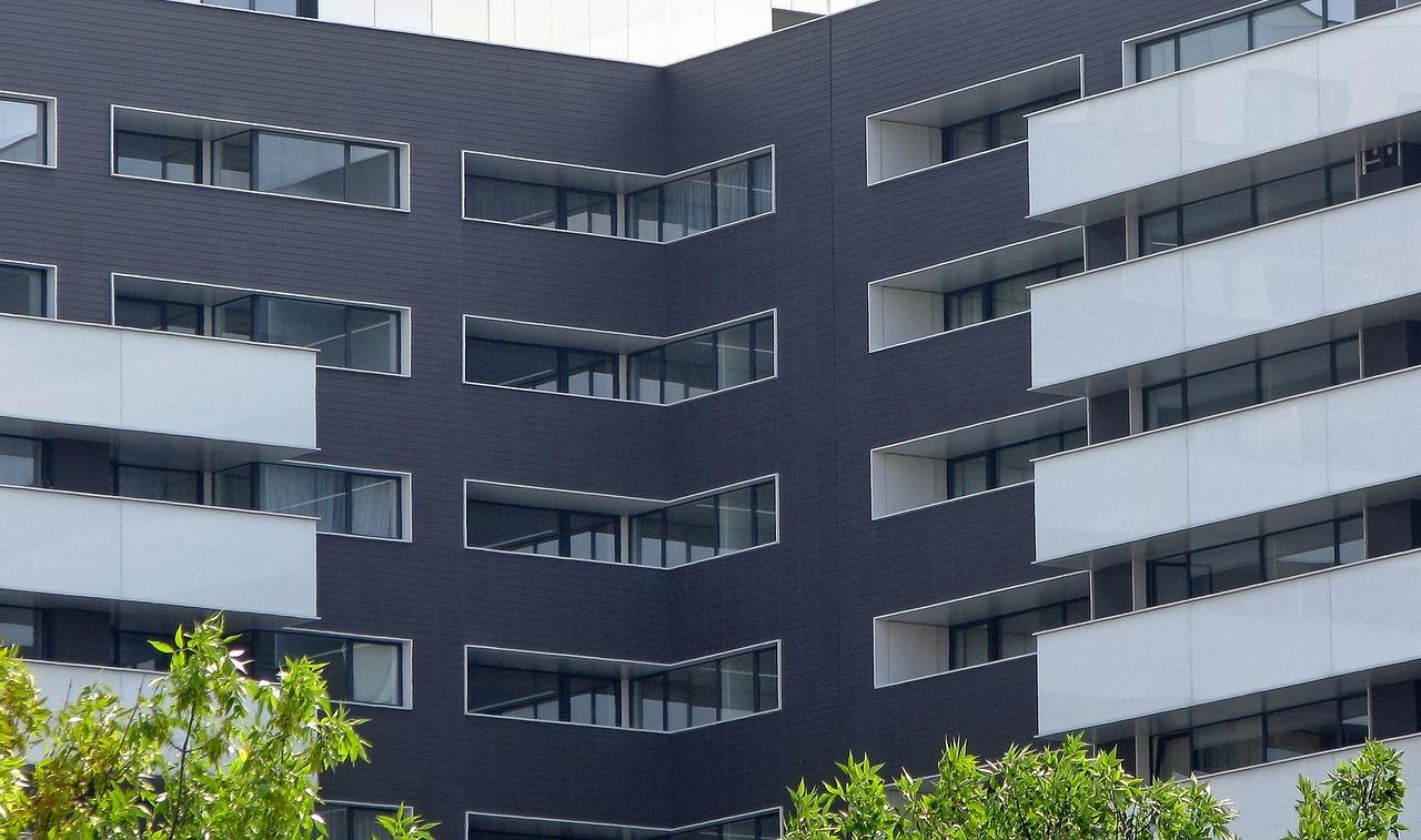 Zabezpiecz dom przed hałasem. Współczynnik izolacyjności akustycznej okien: współczynnik RW