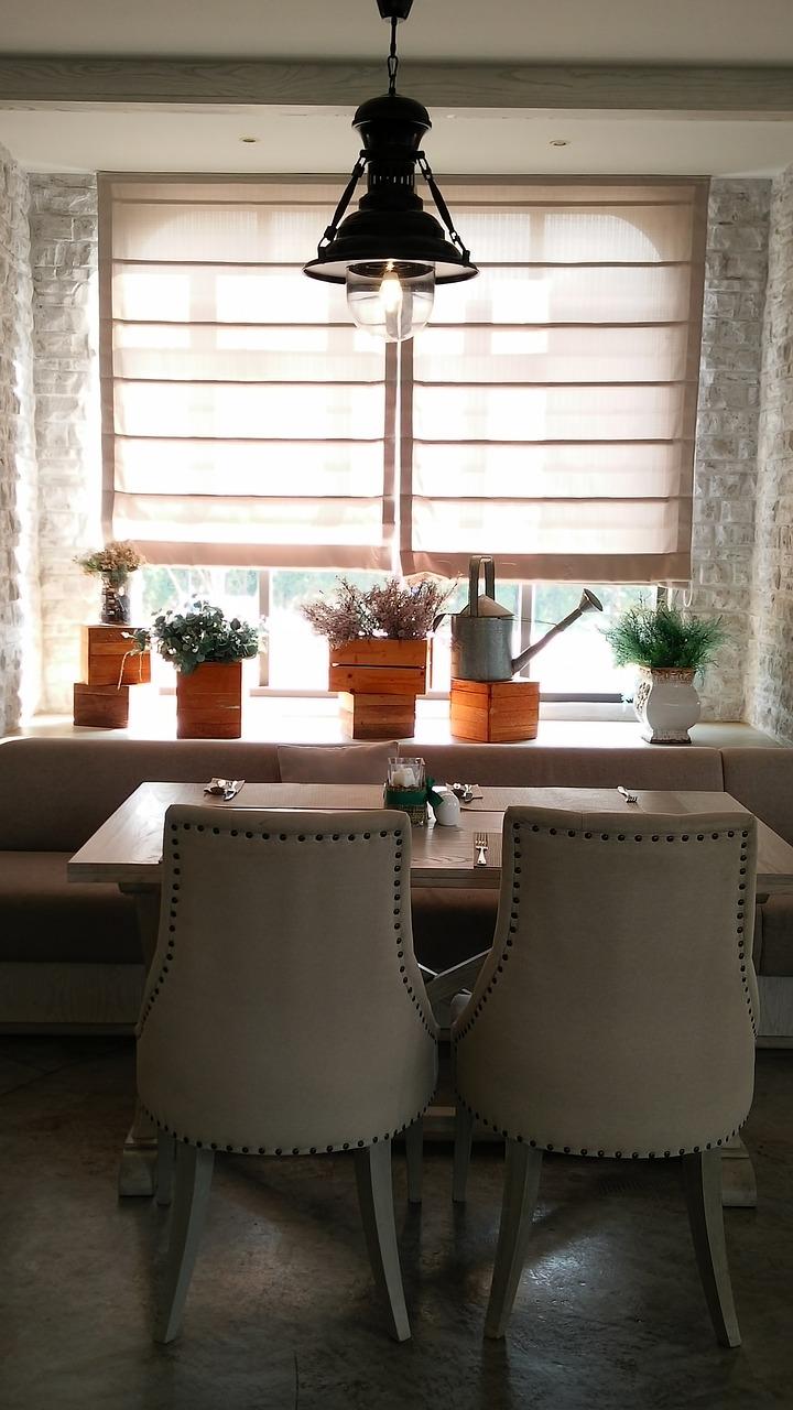 Modne rozwiązania. Architekt wnętrz Poznań – rolety okienne rzymskie