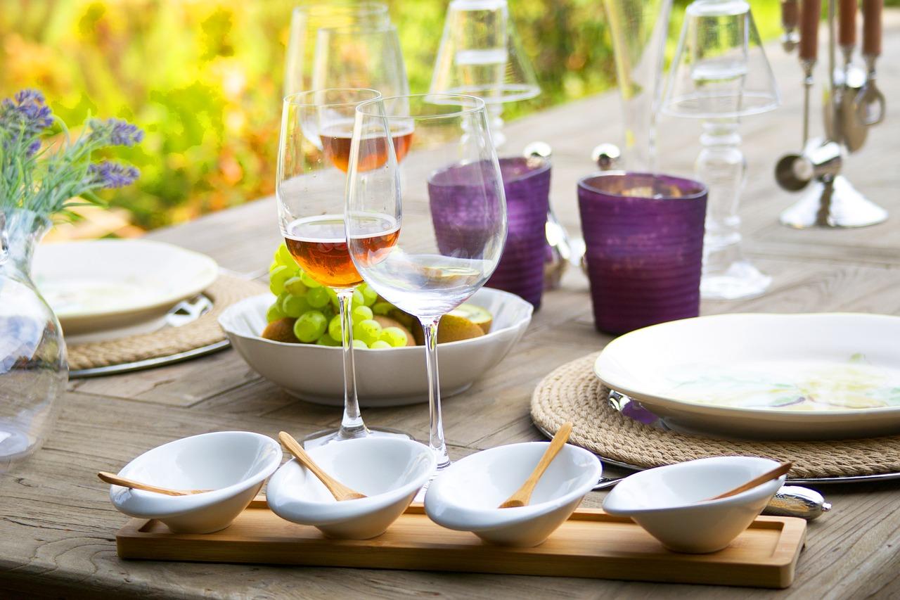 Jak dobrze wybrać niezbędny element każdej kuchni?