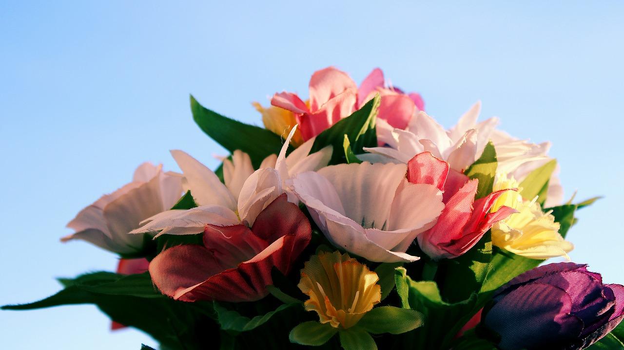 Gdzie wykorzystać sztuczne kwiaty?